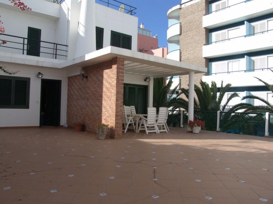 Casa en puerto de la cruz zona san telmo inmobiliaria for Casa de diseno san telmo
