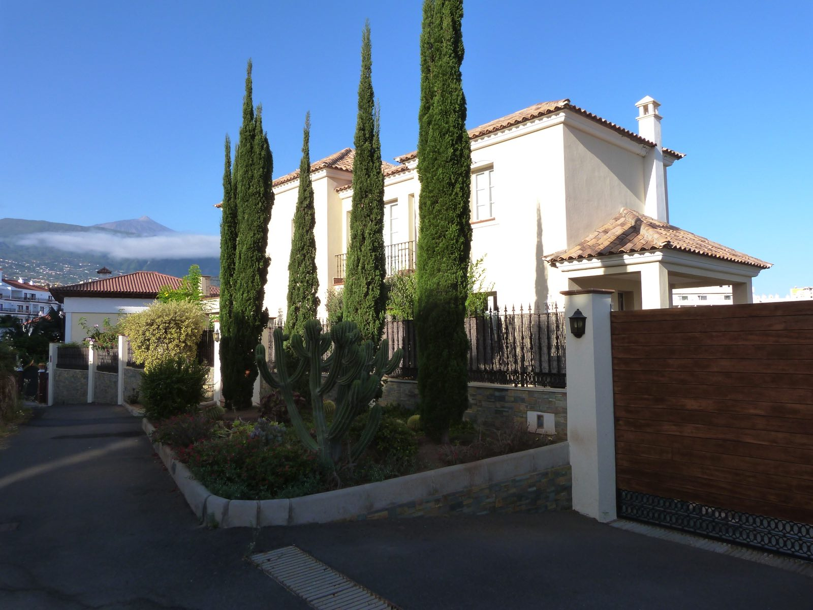 Chalet en puerto de la cruz zona la paz inmobiliaria - Inmobiliaria la paz malaga ...